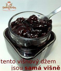 višňový džem plný českých višní
