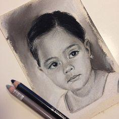 "[ALBA] 10 x 15 cm - Primer mini retrato listo (1 de 4) en la foto original tenía 3 años, ahora tiene 14. [ALBA] 3.9"" x 5.9 - First mini portrait done (1 of 4) in the original pic she was 3 years old, now is 14."