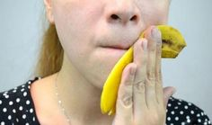 How to Treat Acne With Banana Peels. If you've tried treating your acne with every skin care product there is, try a home remedy. Chances are, you've got a bunch of bananas lying around or can easily pick a few up. Use the banana peel to. Banana Benefits, Homemade Face Masks, How To Treat Acne, Tips Belleza, Pimples, Oily Skin, Cellulite, Skin Care Tips, Health And Beauty