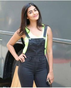 Pooja hegde Hot and sexy TV serial actress from Indian television show Big boss ridhima pandit very cute beautiful photos and wallpapers wit. South Indian Actress Hot, Indian Bollywood Actress, Bollywood Actress Hot Photos, Indian Actress Hot Pics, Bollywood Girls, Beautiful Bollywood Actress, Bollywood Fashion, Indian Actresses, Indian Celebrities