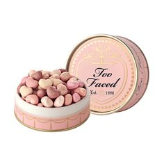 Puder, Schatzkügelchen Radiant Glow Face Puder - Too Faced - Cosmetics - Cosmetic Pink Makeup, Cute Makeup, Pretty Makeup, Makeup Geek, Mac Makeup, Makeup Shop, Too Faced Cosmetics, Makeup Cosmetics, Maquiagem Too Faced