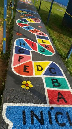 Educação Infantil. - pintura no chão