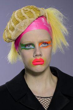 Maison Margiela at Paris Fashion Week Fall 2015 - Details Runway Photos Kasimir Und Karoline, Photoshoot Makeup, Photoshoot Ideas, Kids Makeup, Fashion Magazine Cover, Club Kids, John Galliano, Face Art, Fall 2015
