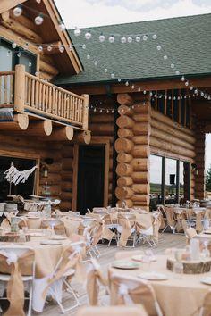 Vintage backyard farm wedding in South Dakota - photos by Bryan and Mae | via junebugweddings.com