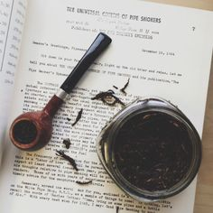 thesillyoldbear: Light up the old briar and relax. 2007 Rattray's Marlin Flake in a BBB Own Make Prince.