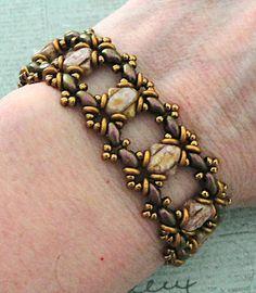 Linda's Crafty Inspirations: Bracelet of the Day: Ivy Variation - Alabaster Senegal
