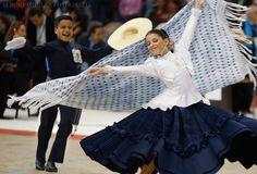 Marinera en el Concurso Nacional de San Borja. Lima, Perú. Foto: Sergio Aguilar