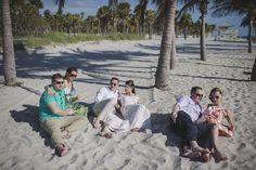 Vili es Márti - Tengerparti Esküvő | Florida, USA #utazás #utazásiiroda #weddinginseychelles #tengerpartiesküvő #külföldiesküvő #esküvő #esküvőihelyszìn #esküvő #tenger #málta #eskuvomaltan #sea #külföldiesküvő Miami Beach, Florida, Usa, Couple Photos, Couples, The Florida, Couple Pics, Couple Photography, Couple