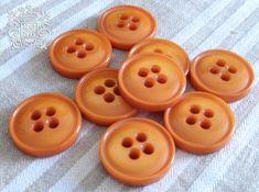 boutons oranger  ancien corozo par 6@buttons orange