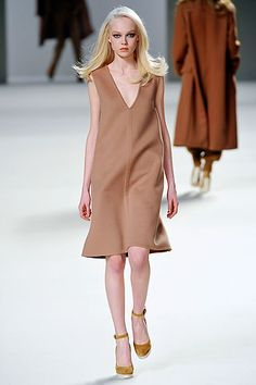 Chloé Fall 2010 Ready-to-Wear Collection Slideshow on Style.com