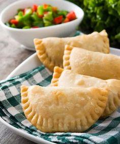 Cómo #hacer #empanadas #veganas: 2 #recetas  Las empanadas veganas son fáciles de hacer, nutritivas y realmente sabrosas. Por eso, no te pierdas nuestras dos recetas. Dairy Free, Gluten Free, Egg Free, Apple Pie, Vegan Vegetarian, Macaroni And Cheese, Pineapple, Bakery, Vegan Recipes