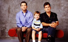 Two and a half men I used to love this series, but I have to say, sinche Charlie Sheen left, I stopped watching it Charlie Sheen, Frank Underwood, Two And Half Men, Half Man, Michael Scofield, Jesse Pinkman, Jax Teller, Boardwalk Empire, Prison Break