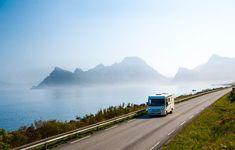 Kystriksveien starter i Trøndelag og snor seg i vakkert kystlandskap opp gjennom Namdalskysten og Helgelandskysten før den etter 650 km ender i Bodø. Mange mener dette er en av verdens vakreste reiseruter, og med kjente attraksjoner som Torghatten, De Syv Søstre, Svartisen, Saltstraumen, og tusenvis av øyer er det vanskelig å si seg uenig.