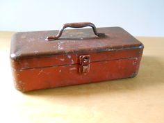 Vintage Rusty Brown and Red Tackle Box • Rusty Locking Metal Tackle Box by lisabretrostyle2 on Etsy