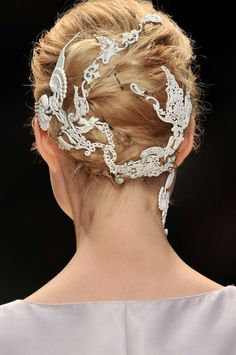2014 Wedding Trends | Hair Embelishments | 1 trend 4 ways: Lace-adorned hair