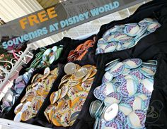 Here's a list of free souvenirs you can get at Disney World in Orlando, Florida - just a 2 hour drive from Sarasota! Voyage Disney World, Walt Disney World, Viaje A Disney World, Disney World Vacation, Disney Vacations, Disney Trips, Disney Parks, Disney Honeymoon, Disney Travel