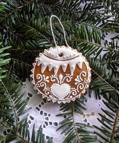 Not sure I can do this, but eating my mistakes would be fine with me. Gingerbread Ornaments, Gingerbread Decorations, Unique Christmas Decorations, Christmas Gingerbread, Primitive Christmas, Gingerbread Houses, Christmas Thoughts, Christmas Love, Christmas Crafts