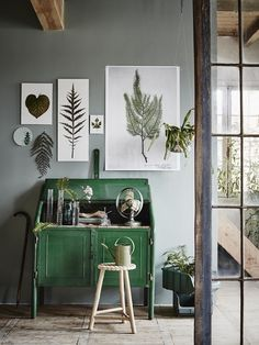 HARTwerck | groen inspiratie - plant op de werkplek of in je praktijkruimte #workspace #homeoffice #groen #greenroom #botanical