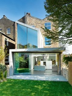 A Contemporary Extension to a Victorian Terrace Home in London by Robert Dye Architects Architecture Extension, Residential Architecture, Contemporary Architecture, Interior Architecture, Amazing Architecture, Fashion Architecture, Building Architecture, Modern Contemporary, Victorian Terrace