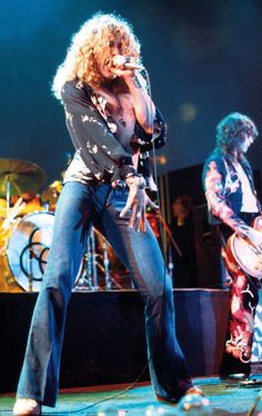 Robert Plant and Jimmy Page of Led Zeppelin #RobertPlant #JimmyPage #LedZeppelin…