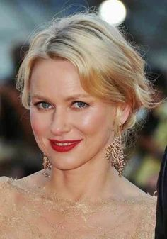 Naomi Watts's ravishing hairstyle