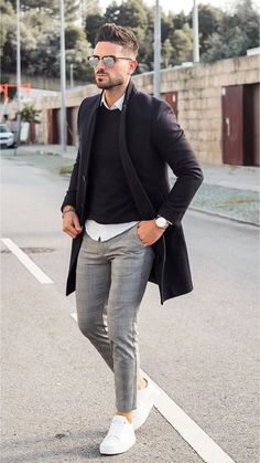 men's street style outfits for cool guys Work Fashion, Daily Fashion, Mens Fashion, Fashion Guide, Street Fashion, Mode Instagram, Mode Man, Herren Outfit, Men Street