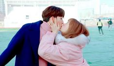 Lee Sung Kyung And Nam Joo Hyuk Revealed To Have Ad-Libbed One Of Their Kisses via @soompi