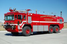 Cincinnati/Northern Kentucky International Airport Unit 969 2001 Oshkosh 1950 GPM - 3000 Tank - 420 Foam