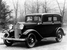 1932 Ford V8 Deluxe Tudor Sedan (18-55)