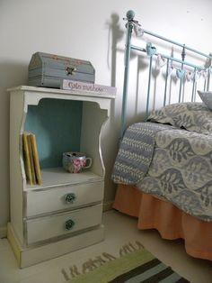 criado mudo,cama e bau reciclados