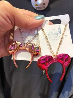 New Minnie Mouse Color Trend Jewelry Is On Point Disney Couture Jewelry, Disney Jewelry, Broches Disney, Jewelry Trends, Jewelry Accessories, Fashion Accessories, Kreative Desserts, Cute Disney Outfits, Mouse Color