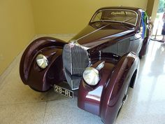 1931 Bugatti Type 51 Coupe ════════════════════════════ http://www.alittlemarket.com/boutique/gaby_feerie-132444.html ☞ Gαвy-Féerιe ѕυr ALιттleMαrĸeт   https://www.etsy.com/shop/frenchjewelryvintage?ref=l2-shopheader-name ☞ FrenchJewelryVintage on Etsy http://gabyfeeriefr.tumblr.com/archive ☞ Bijoux / Jewelry sur Tumblr
