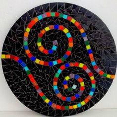 Mosaic Garden Art, Mosaic Flower Pots, Mosaic Pots, Mosaic Glass, Mosaic Tray, Mosaic Tile Art, Wood Mosaic, Mosaic Art Projects, Mosaic Crafts