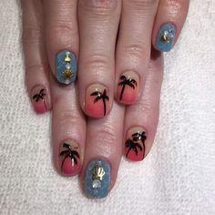 Aloha Vacation nails for @highkarli  #nailart #gelnail #heynicenails #longbeach #nicenailsfornicepeople  (at Hey, Nice Nails)