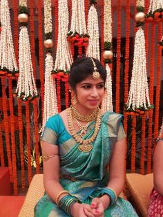 South indian wedding | Ideas and Photos Indian Bridal Sarees, Indian Bridal Outfits, Indian Silk Sarees, Indian Bridal Hairstyles, Indian Bridal Fashion, Indian Bridal Makeup, Indian Bridal Wear, Indian Wear, Wedding Makeup