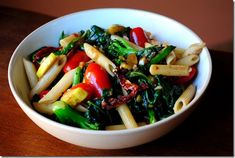 Vegetable Pasta with Homemade Balsamic Vinaigrette is a quick, yet satisfying, meatless meal. | iowagirleats.com