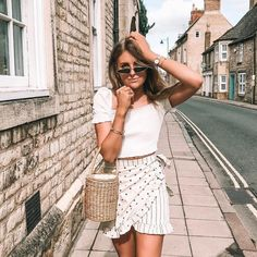 The 50 Best London Fashion Bloggers in 2018 - The CLCK London Fashion Bloggers, 50th, Your Style, Summer Outfits, Outfit Ideas, Summer Clothing, Outfit Summer, Summer Styles