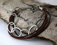 Mens bracelet, bracelet en argent sterling, bijoux mens, bracelet martelé masculine, mens accessoires, bracelet cuir, bracelet pour hommes sur Etsy, $94.66 CAD
