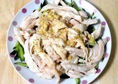 料理好きで知られるタレントのタモリさん。個性的でおいしい自己流レシピがたびたび話題になっておりますが、ちょいと昔に(2011年6月23日の「笑っていいとも!」にて)紹介されていた「簡単でおいしい鶏胸肉の食べ方」ってご存知でしょうか。 おすすめの料理法であらためて試してみたところ、かなりお手軽かつシンプルで、サ Cabbage, Vegetables, Ethnic Recipes, Happy, Foods, Ideas, Food Food, Food Items, Cabbages