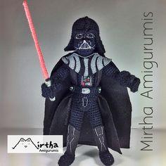 Amigurumi Darth Vader 30cm  Pinned from https://www.flickr.com/photos/mirthaamigurumis/14195521341/in/pool-hookedoncrochet/