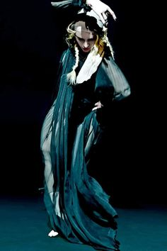 Madonna Looks, Lady Madonna, Madonna Art, Madonna Family, Divas, Rebel Heart, Dance Routines, Important People, Save The Queen