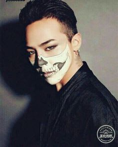 G Dragon - Halloween Seungri, Big Bang Kpop, Bang Bang, Sung Lee, Dragon Halloween, G Dragon Top, Vip Bigbang, Bigbang G Dragon, Ji Yong