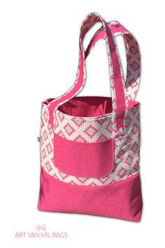 Vanessa von http://sauber-eingefaedelt.blogspot.de/ hat eine wunderschöne und praktische Sommertasche entworfen. Die superschnelle und einfache Anleitung findet ihr als Freebie auf ihren Blog. http://sauber-eingefaedelt.blogspot.de/2016/06/3-taschenstoff-packchen-baumwollstoff.html oder bei uns auf Mialana.de