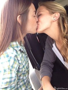 south range single lesbian women Meet lesbian singles on guardian soulmates like minded women guardian soulmates lists a great range of date ideas in cities around the uk lesbian dating.