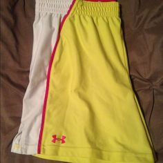 Under Armour shorts Loose fit with heat gear Under Armour Shorts