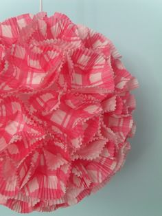 Boule chinoise covered with cupcakes papers