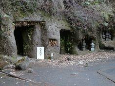 寿福寺。 北条政子の墓があります。
