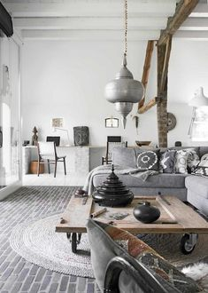 Sitting room in a beautiful and unique bohemian farmhouse. Photography: Barbara Groen, styling: Marieke de Geus