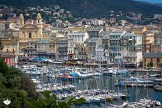 On our way to Conca to start our GR20 trip, we stopped in Bastia, Corsica. What a nice old port !