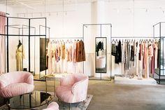New fashion design studio interior retail stores Ideas Fashion Shop Interior, Fashion Store Design, Clothing Store Interior, Clothing Store Design, Fashion Stores, Clothing Stores, Space Clothing, Clothing Racks, Interior Design Magazine